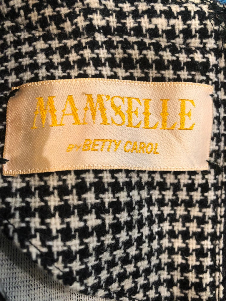 1960s Mamselle by Betty Carol Black and White Houndstooth Wool 60s A Line Dress For Sale 10
