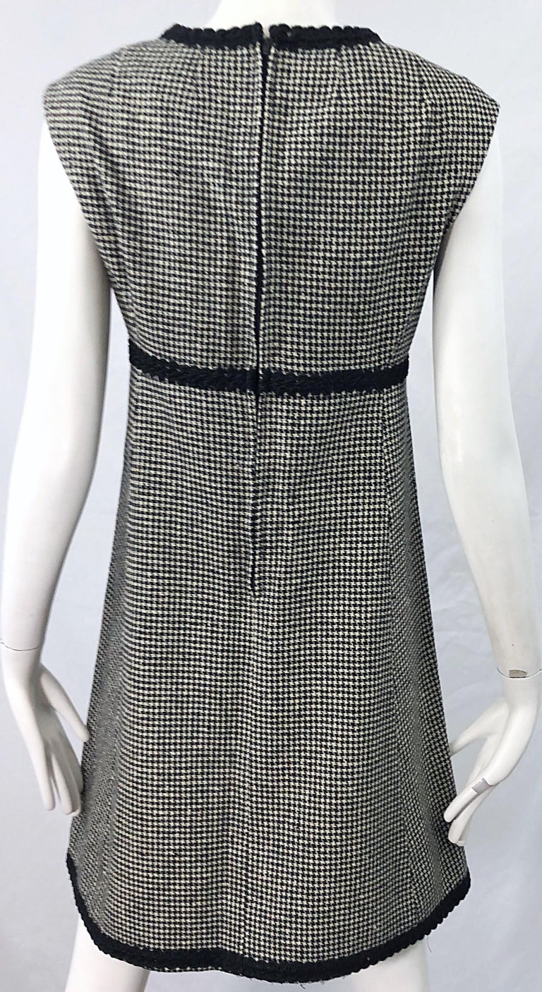 1960s Mamselle by Betty Carol Black and White Houndstooth Wool 60s A Line Dress For Sale 3