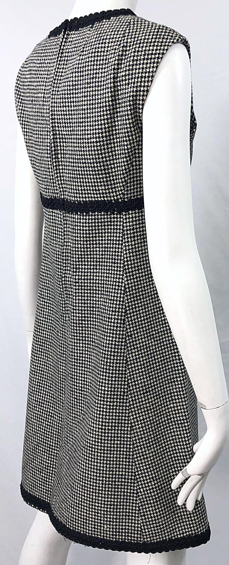 1960s Mamselle by Betty Carol Black and White Houndstooth Wool 60s A Line Dress For Sale 5