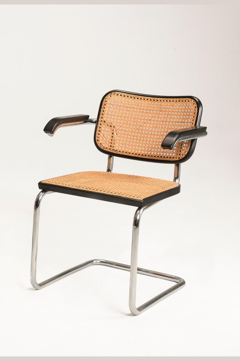 European 1960s Marcel Breuer for Gavina Woven Straw Steel Tubular Black Chairs, Set of 8 For Sale