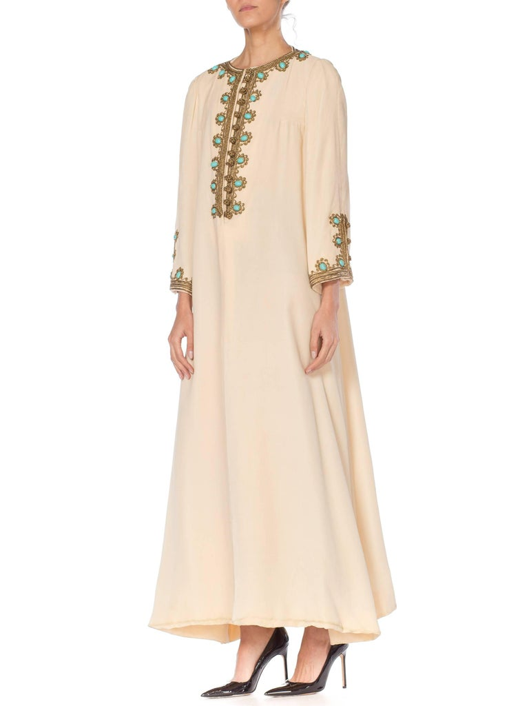 1960s Martha Gold Embroidered Velvet Kaftan In Excellent Condition For Sale In New York, NY