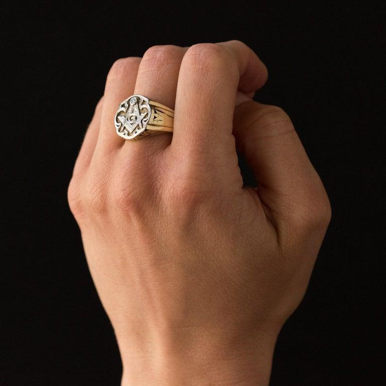 1960s Masonic Yellow Gold Platinum Signet Man Ring For Sale 5
