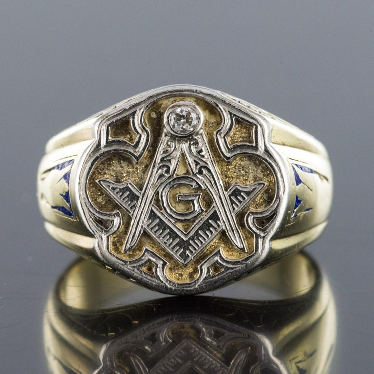 1960s Masonic Yellow Gold Platinum Signet Man Ring For Sale 9