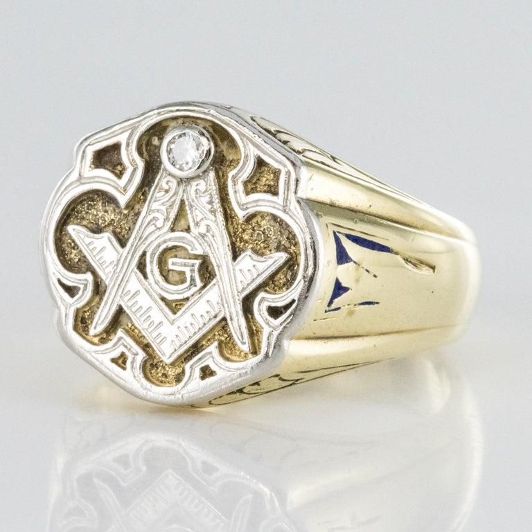 Retro 1960s Masonic Yellow Gold Platinum Signet Man Ring For Sale