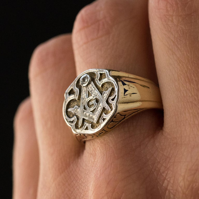 1960s Masonic Yellow Gold Platinum Signet Man Ring In Good Condition For Sale In Poitiers, FR
