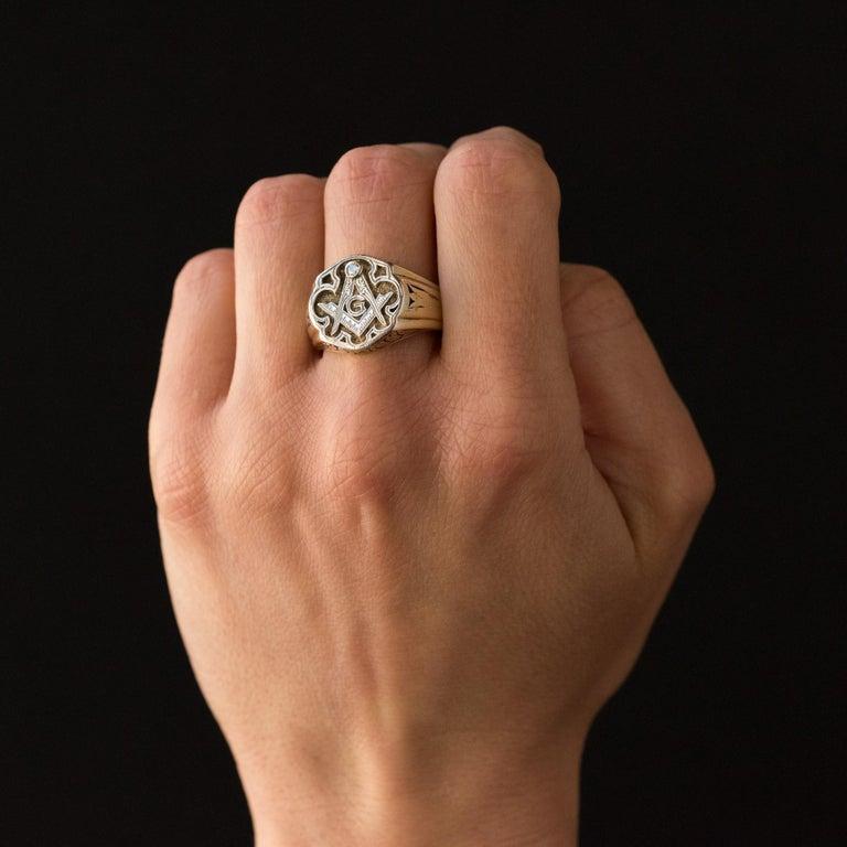 1960s Masonic Yellow Gold Platinum Signet Man Ring For Sale 4