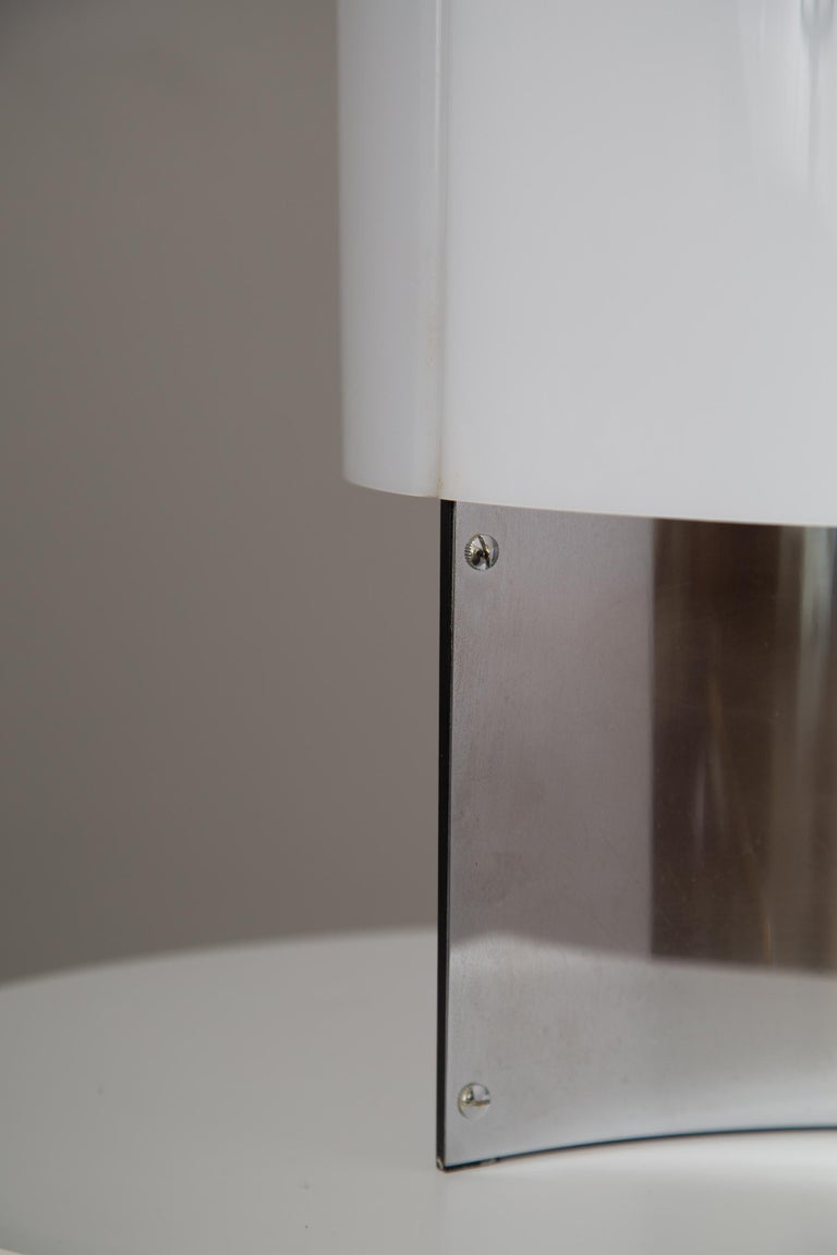 1960s Massimo Vignelli Model 526/g Table or Floor Lamp for Arteluce In Good Condition For Sale In Glendale, CA