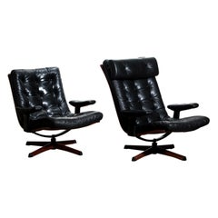 1960s Matching Pair of Black Leather Swivel Chairs by Göte Möbler Nässjö, Sweden