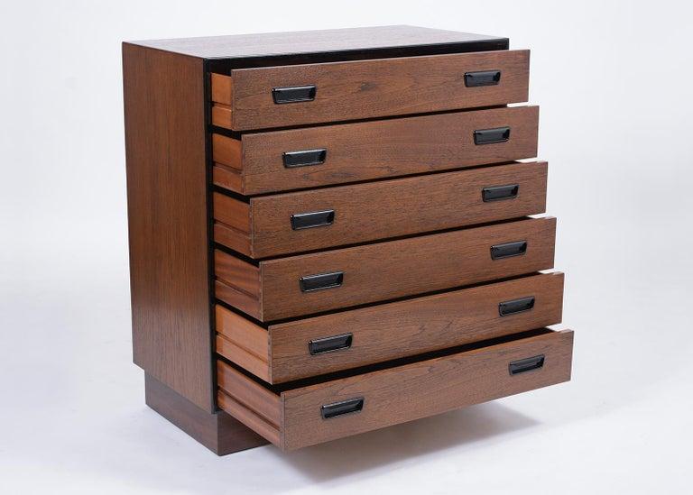 Vintage Mid-Century Modern Danish Dresser For Sale 3