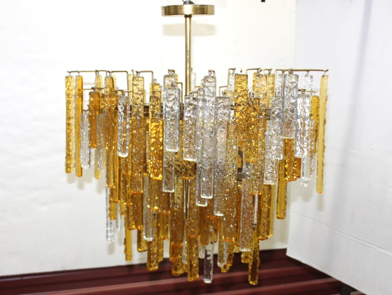 Italian 1960s Mid-Century Modern Venini Glass Oval Chandelier For Sale