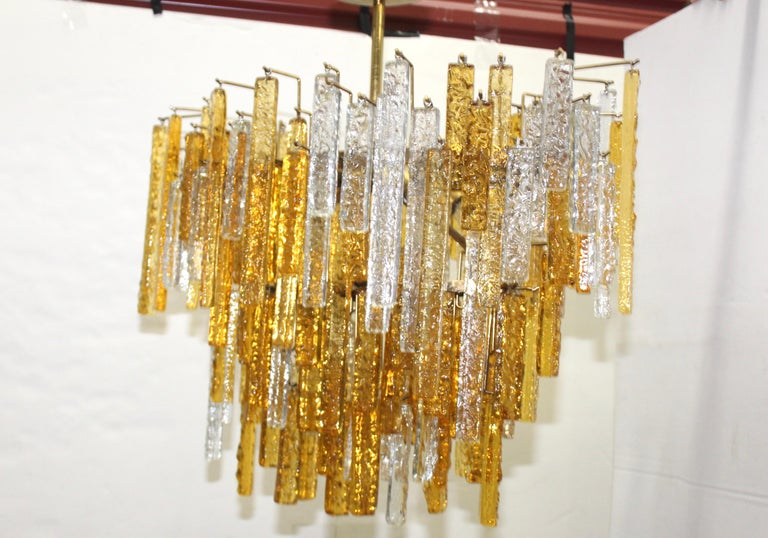 1960s Mid-Century Modern Venini Glass Oval Chandelier In Good Condition For Sale In New York City, NY
