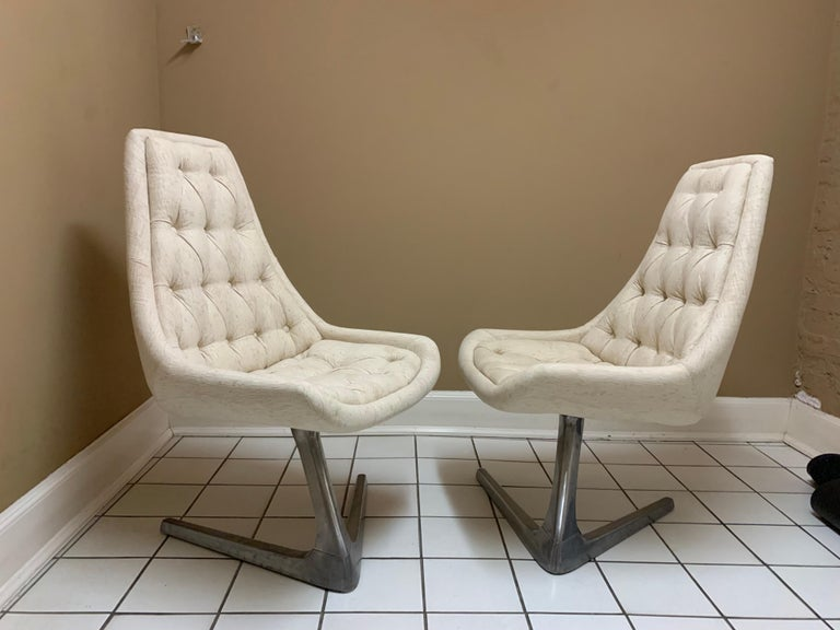 20th Century Vintage 1960s Mid-century Swivel Chairs New Upholstery and Aluminium Base For Sale