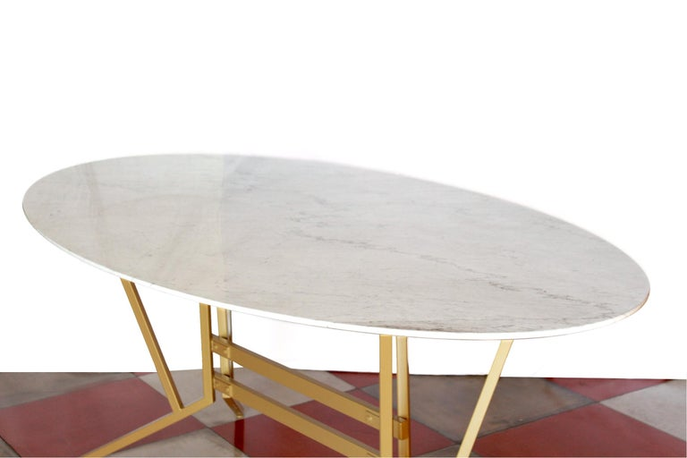 Mid-Century Modern 1960s vintage oval Carrara Marble Dining Table For Sale