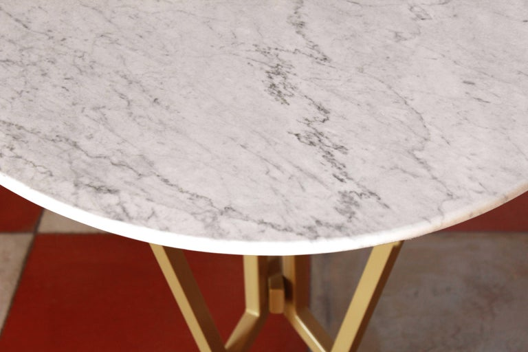 Iron 1960s vintage oval Carrara Marble Dining Table For Sale