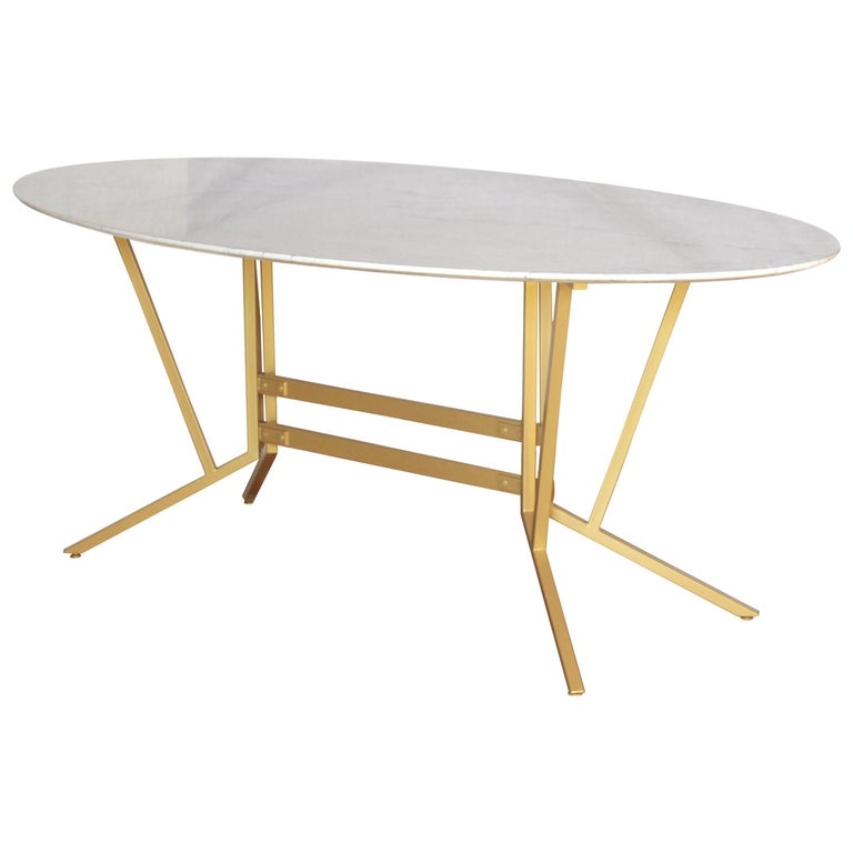 1960s vintage oval Carrara Marble Dining Table For Sale