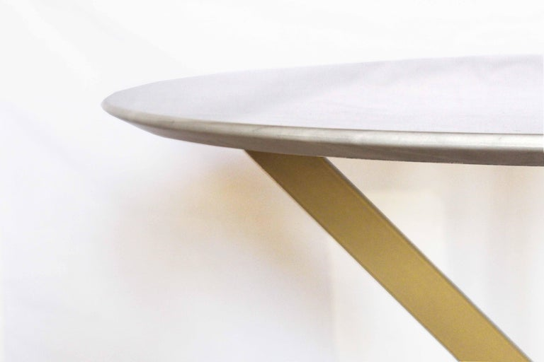 Italian 1960s vintage Dining Table with round Carrara marble top For Sale