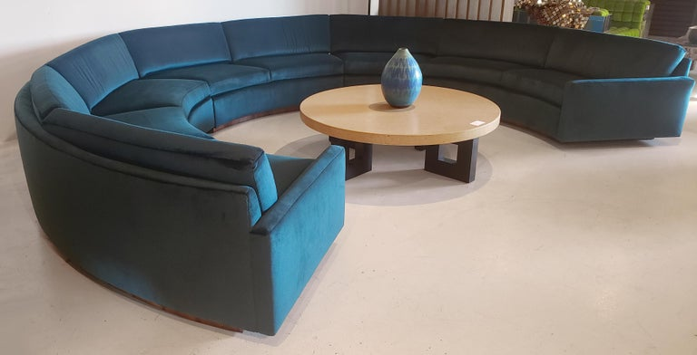 Mid-Century Modern Three Section Circular Sofa by Milo Baughman for Thayer Coggin For Sale