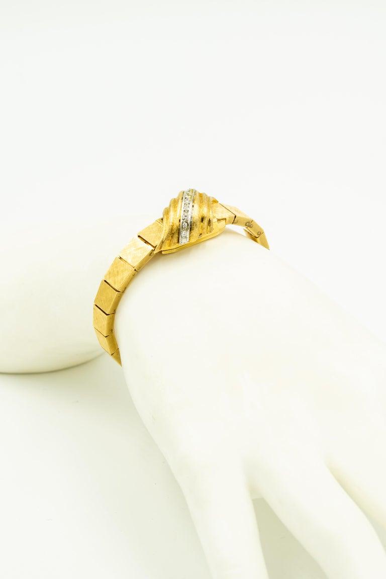 1960s Moba Diamond Florentine Finish Gold Covered Ladies Wristwatch Bracelet For Sale 5