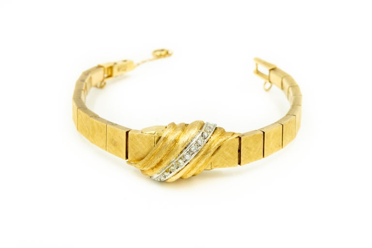 1960s Moba Diamond Florentine Finish Gold Covered Ladies Wristwatch Bracelet For Sale 1