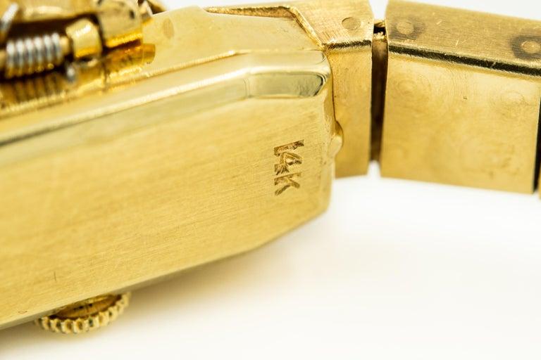 1960s Moba Diamond Florentine Finish Gold Covered Ladies Wristwatch Bracelet For Sale 3
