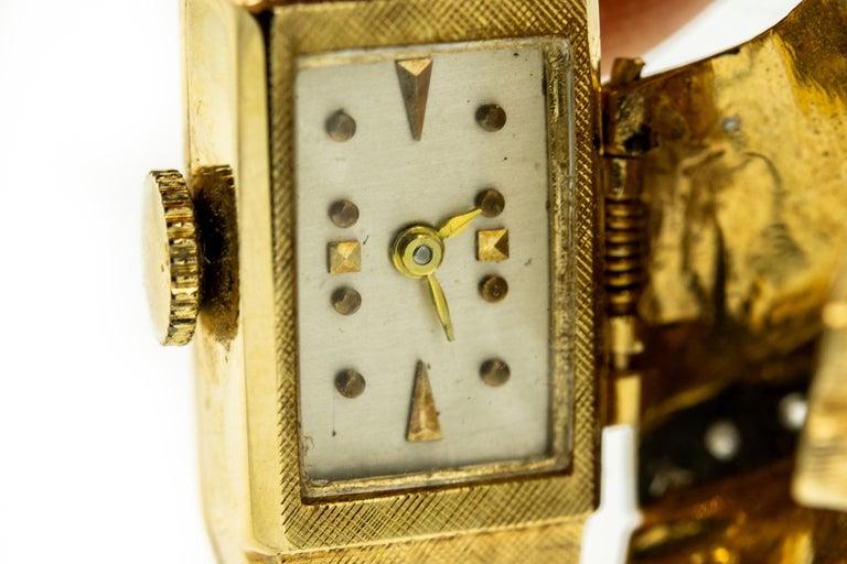 1960s Moba Diamond Florentine Finish Gold Covered Ladies Wristwatch Bracelet For Sale 4