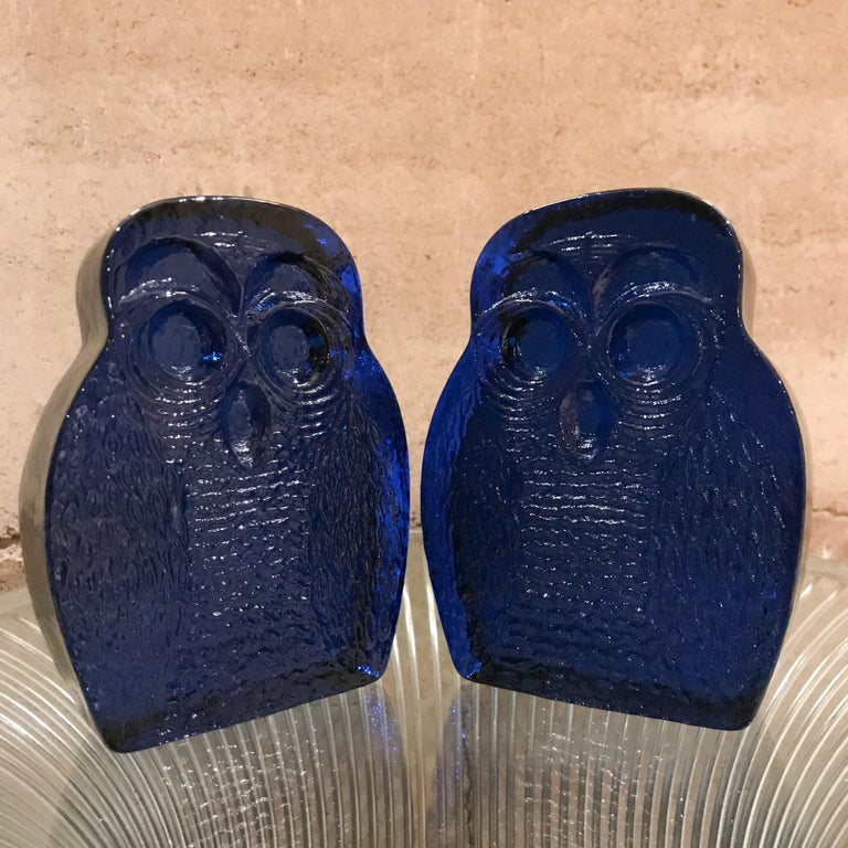 Mid-Century Modern rare cobalt blue hand blown glass owl bookends by Blenko of USA, 1960s