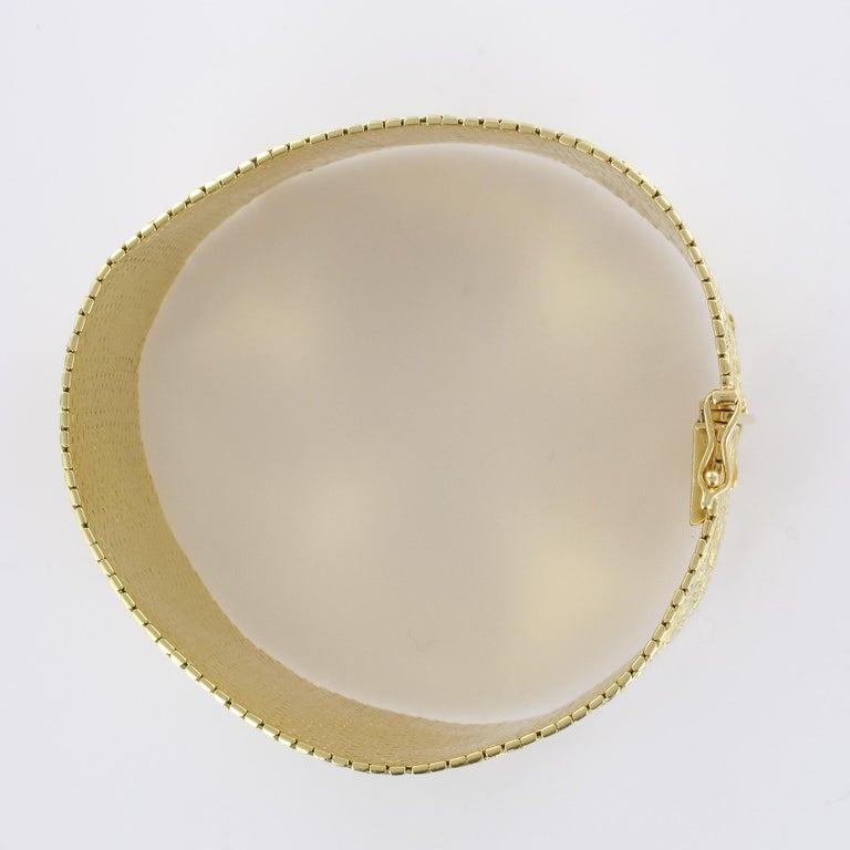 1960s Modernist Decor 18 Karat Yellow Gold Ribbon Bracelet For Sale 8
