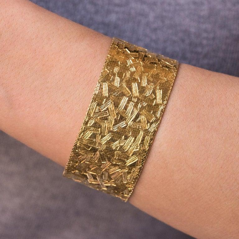 Women's 1960s Modernist Decor 18 Karat Yellow Gold Ribbon Bracelet For Sale