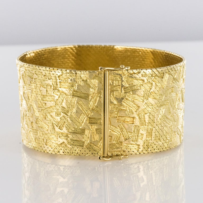 1960s Modernist Decor 18 Karat Yellow Gold Ribbon Bracelet For Sale 1