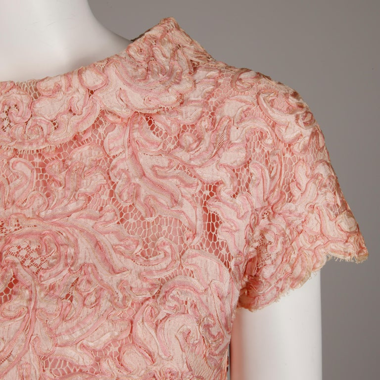 1960s Mollie Parnis Vintage Pink Soutache + Scalloped Lace Shift Dress Dress In Excellent Condition For Sale In Sparks, NV