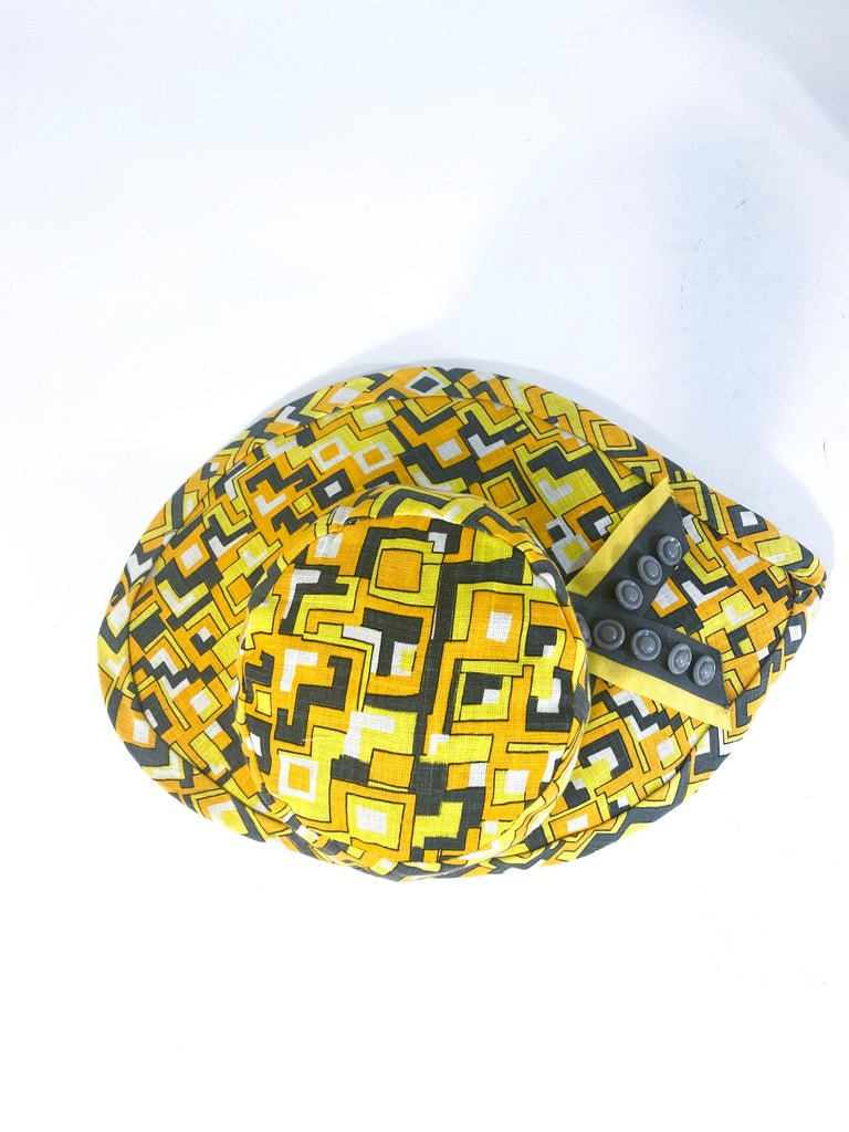 1960s Mr. John Geometric Printed Sun Hat In Good Condition For Sale In San Francisco, CA