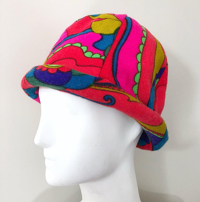 1960s Mr. Martin Retro Bright Mod Psychedelic Vintage 60s Wool Cloche Hat  For Sale 5