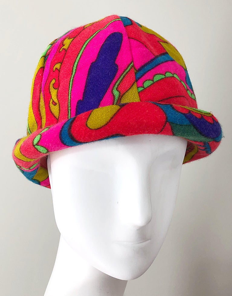 Beige 1960s Mr. Martin Retro Bright Mod Psychedelic Vintage 60s Wool Cloche Hat  For Sale