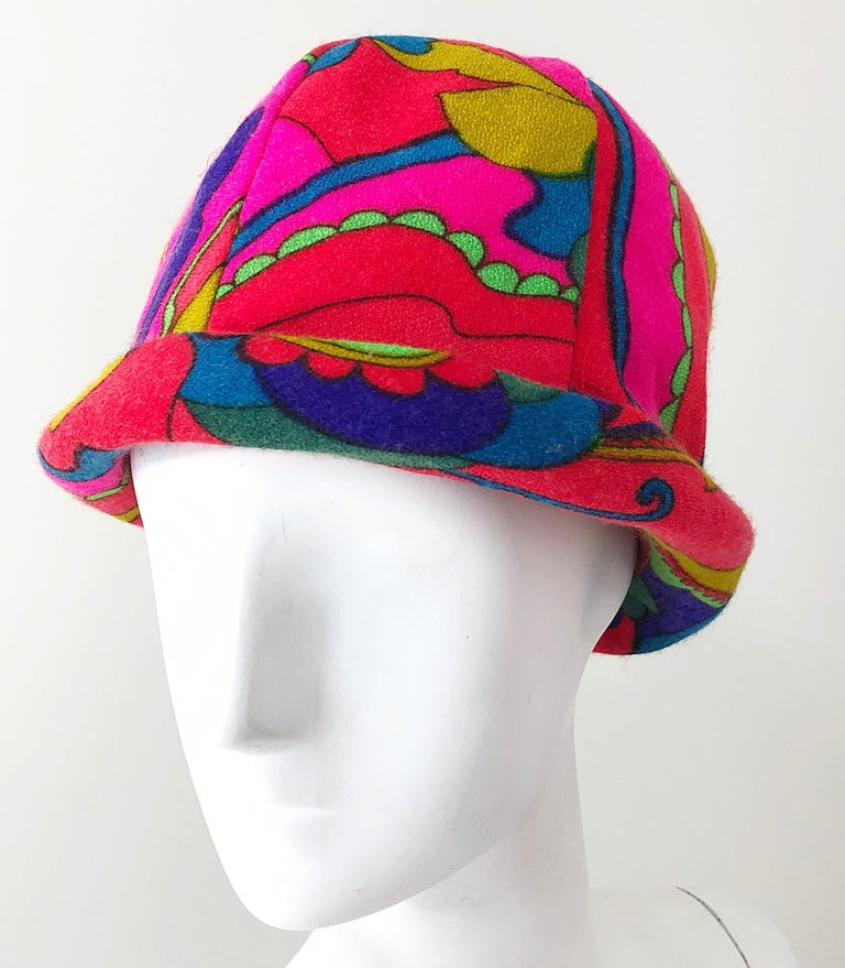 Women's 1960s Mr. Martin Retro Bright Mod Psychedelic Vintage 60s Wool Cloche Hat  For Sale