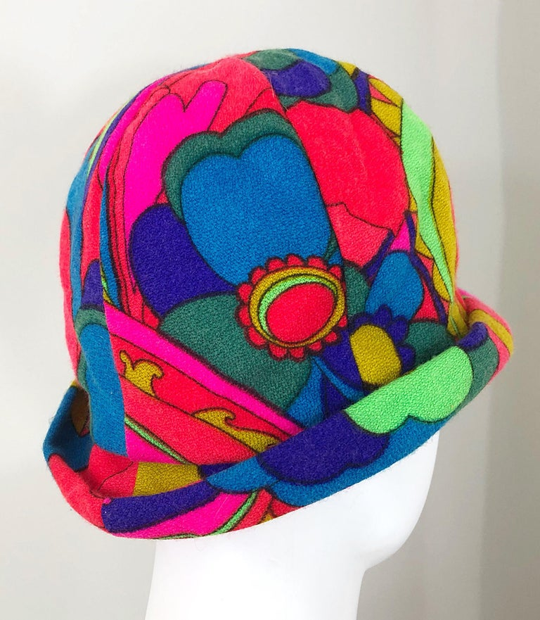 1960s Mr. Martin Retro Bright Mod Psychedelic Vintage 60s Wool Cloche Hat  For Sale 2