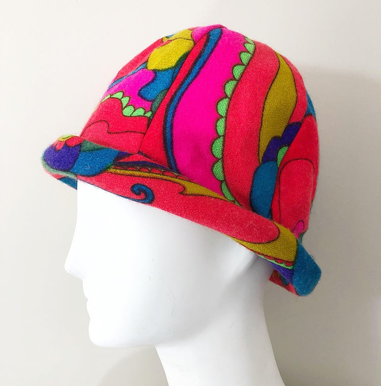 1960s Mr. Martin Retro Bright Mod Psychedelic Vintage 60s Wool Cloche Hat  For Sale 3