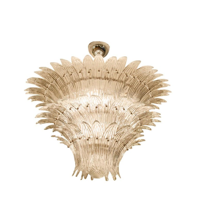 A 1980s outstanding modern Classic ceiling light. Italian design in the style of Barovier and Toso Murano, Venice clear blown glass components shaped as