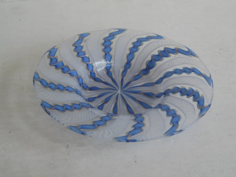 1960s Murano Venetian Art Glass Ribbon Latticino Candy Dish Bowl with Gold Flex In Excellent Condition For Sale In San Diego, CA