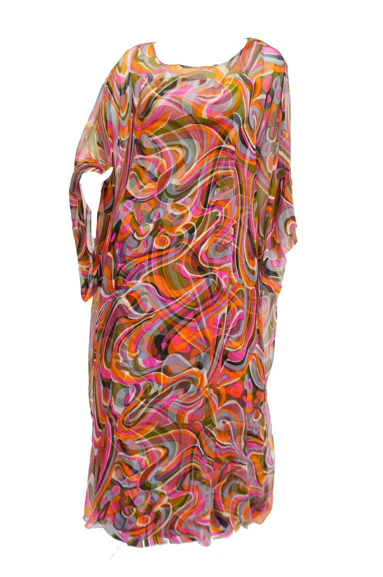 1960s Neiman Marcus Vibrant Pink Swirl Dress with Sheer Kimono Detail  In Excellent Condition For Sale In Houston, TX