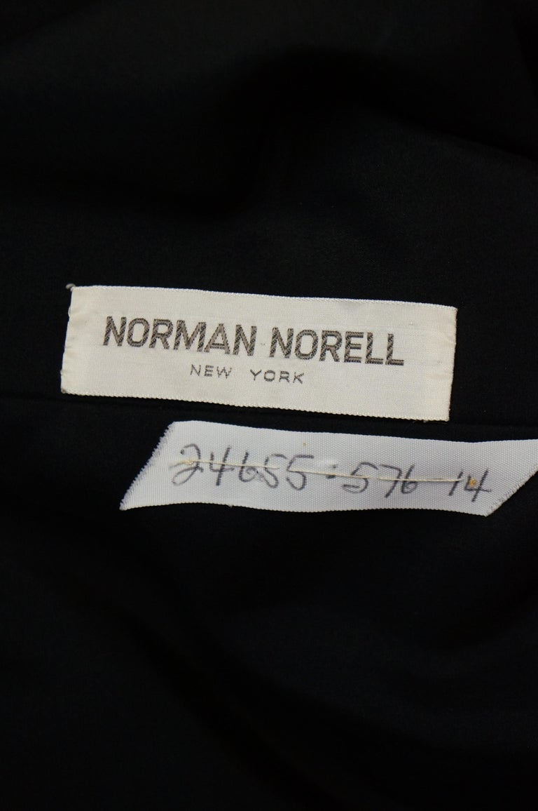 1960s Norman Norell Black and Cream Contrast Silk Shift Dress For Sale 4