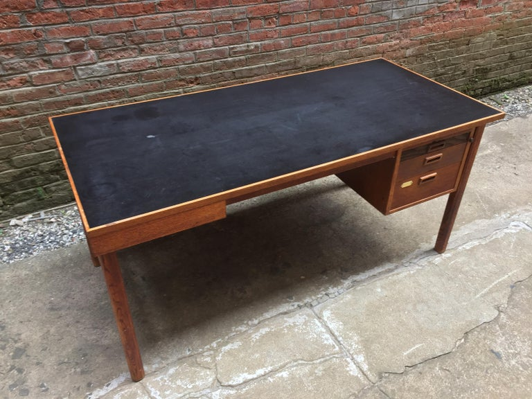 Bernt Petersen Oak and Laminate Desk In Good Condition For Sale In Garnerville, NY