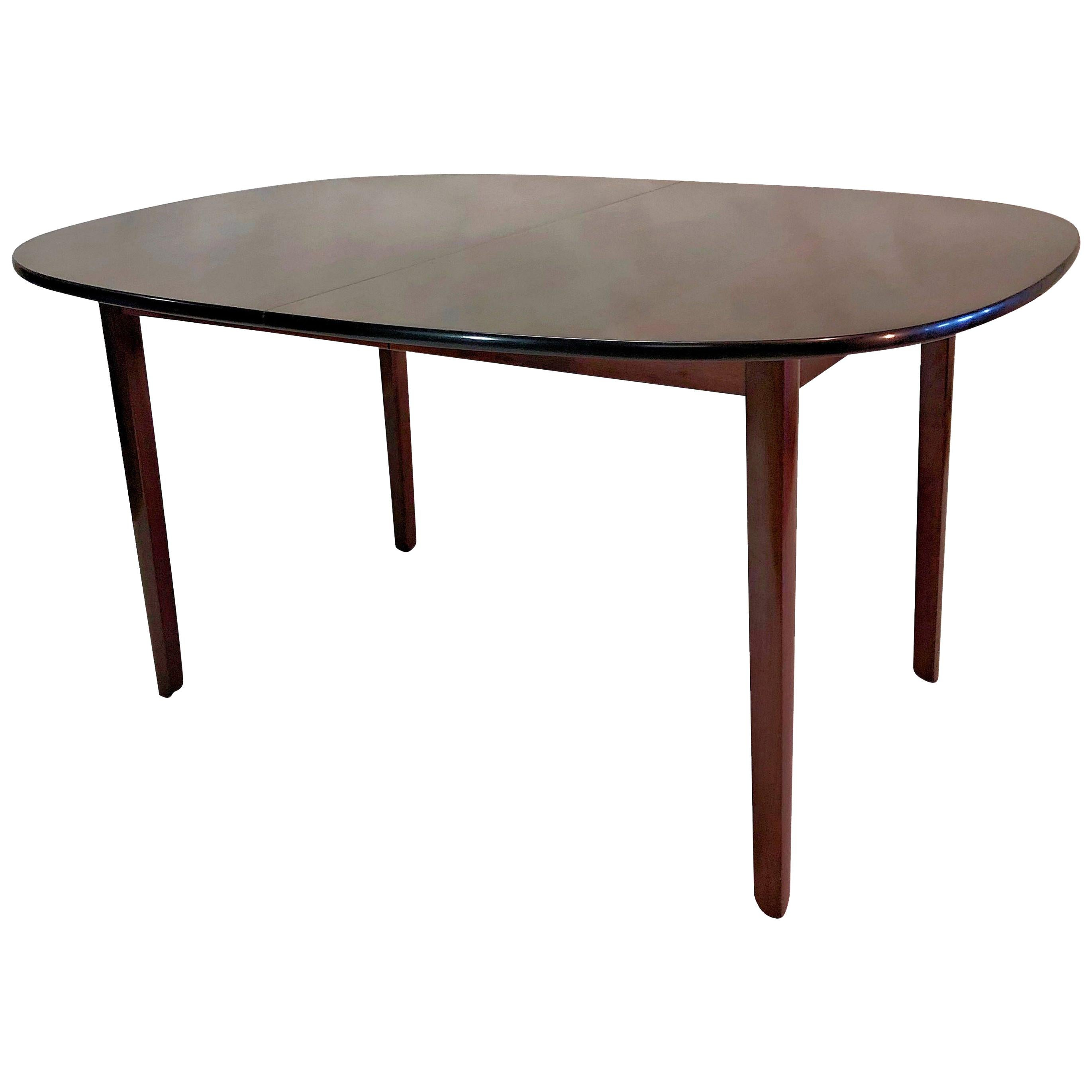 Rungstedlund Table