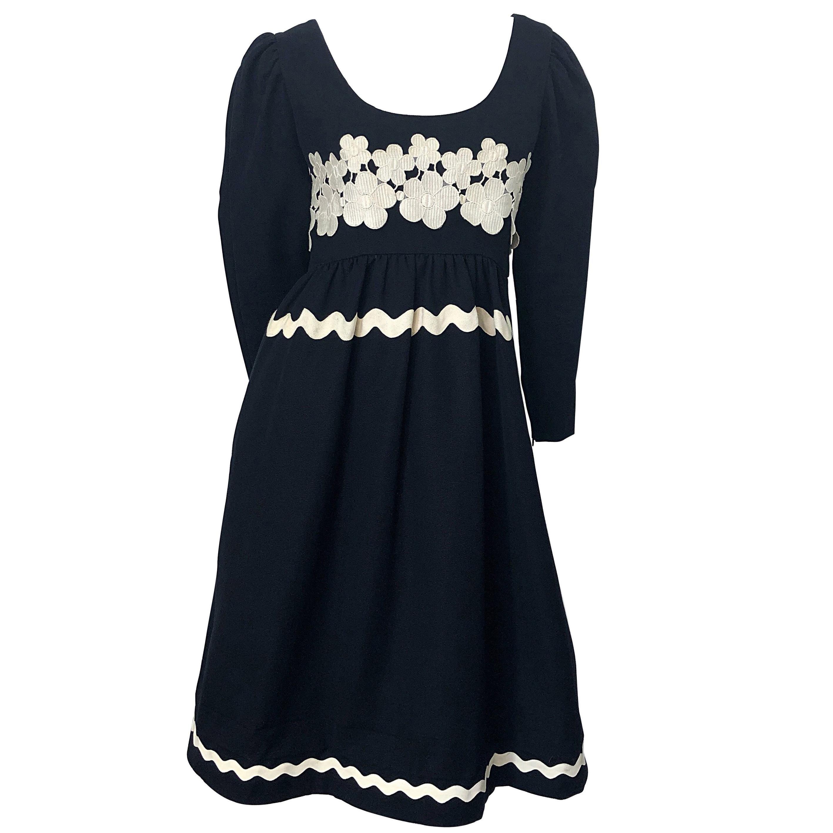 44f8edc061dbb4 Vintage Oscar De La Renta Day Dresses - 146 For Sale at 1stdibs