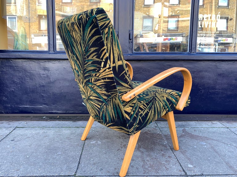 1960s Pair of Czech Republic Lounge Chairs Armchairs by Jaroslav Smidek for Ton For Sale 4