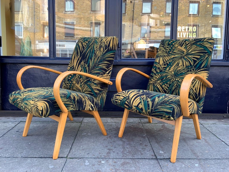 Mid-Century Modern 1960s Pair of Czech Republic Lounge Chairs Armchairs by Jaroslav Smidek for Ton For Sale