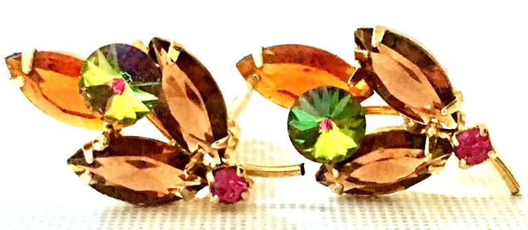 1960'S Pair Of Gold & Austrian Crystal Abstract Flower Earrings In Good Condition For Sale In West Palm Beach, FL