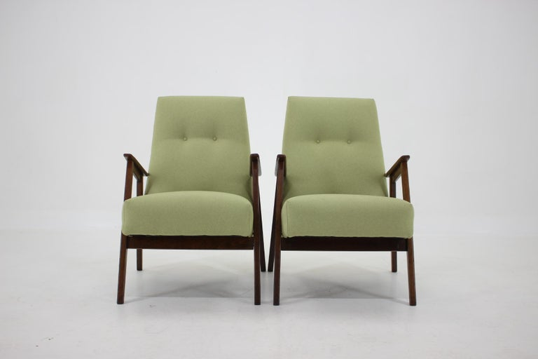 - Made of beech wood - newly upholstered - The wooden parts have been repolished - Hight of seat 41 cm.
