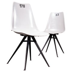 1960s Pair Of Original Grey Fiberglass Side / Dining Chairs