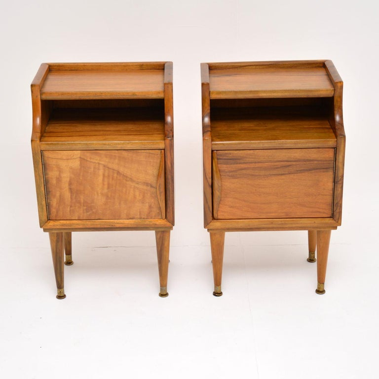 Mid-Century Modern 1960s Pair of Vintage Italian Walnut Bedside Cabinets For Sale