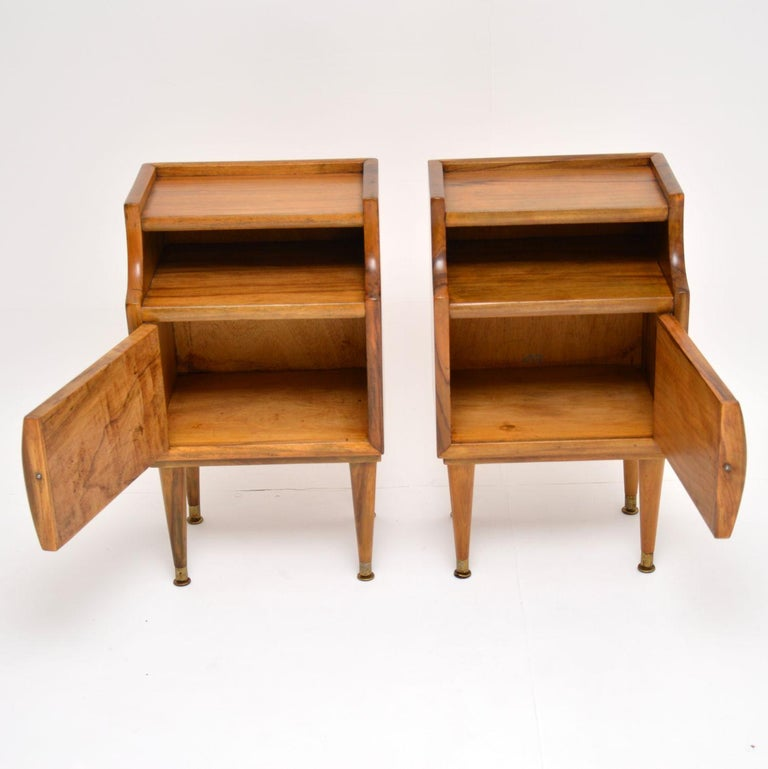 1960s Pair of Vintage Italian Walnut Bedside Cabinets For Sale 1